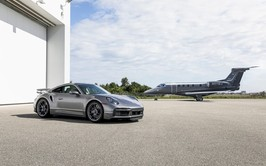 Embraer y Porsche lanzan series especiales de Phenom 300E y 911 Turbo S
